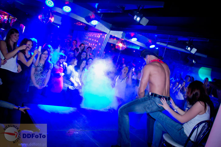2012-11-02-chippendales-01