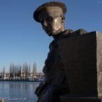 Szczecin, bulwary, pomnik kapitana Kazimierza Haski