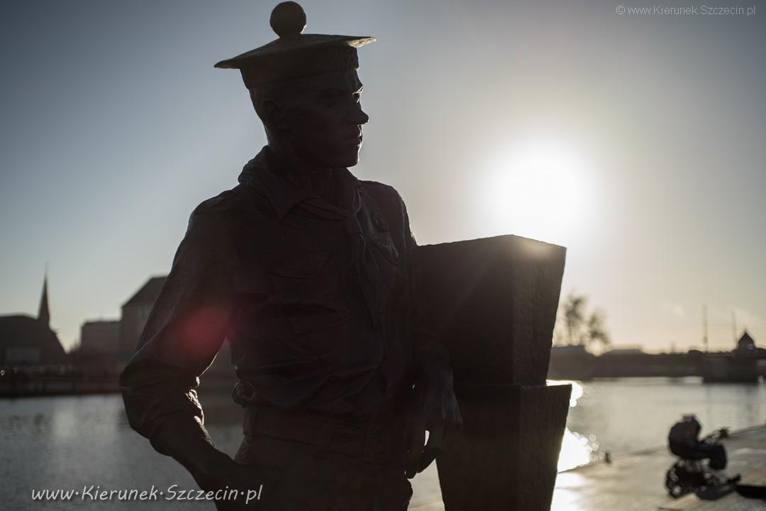 Szczecin. Pomniki. Rzeźby. Rzeźba kapitana Kazimierza Zygfryda Haski @ Aleja żeglarzy / bulwary szczecińskie