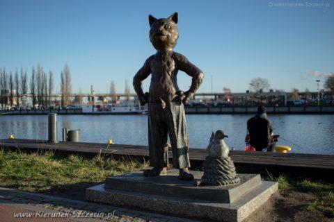 Szczecin, bulwary, pomnik kota Umbriagi, który lubił żeglować