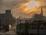 2 stycznia 2020, Szczecin na co dzień tramwaje na ul. Wyszyńskiego, mroźny wschód słońca nad Szczecinem