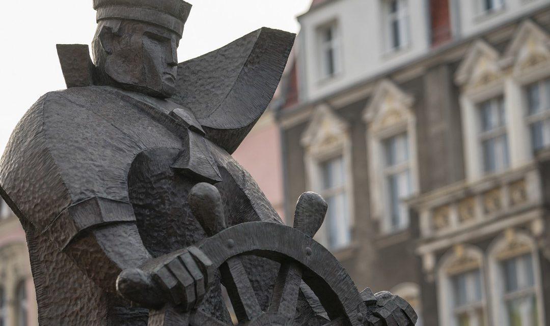 Szczecin. Pomniki. Rzeźby. Pomnik Marynarza Sternika @ al. Papieża Jana Pawła II, Plac Grunwaldzki